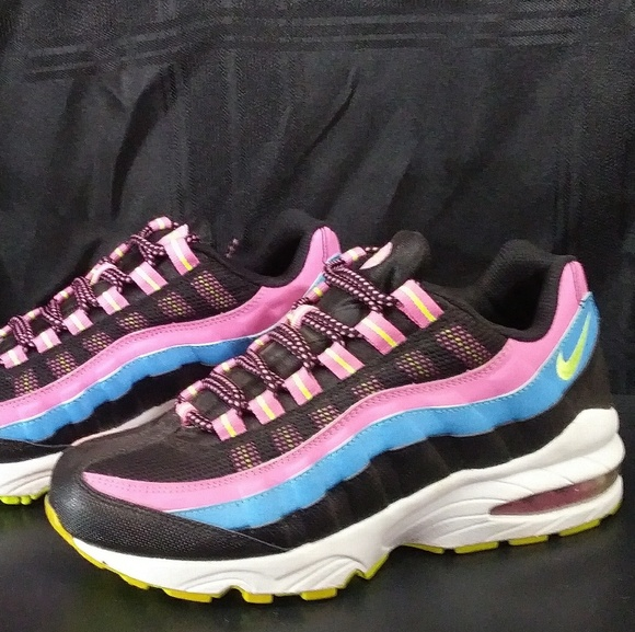 Nike Shoes Nib Air Max 95 Le Blackpinkblue Size 5y Poshmark